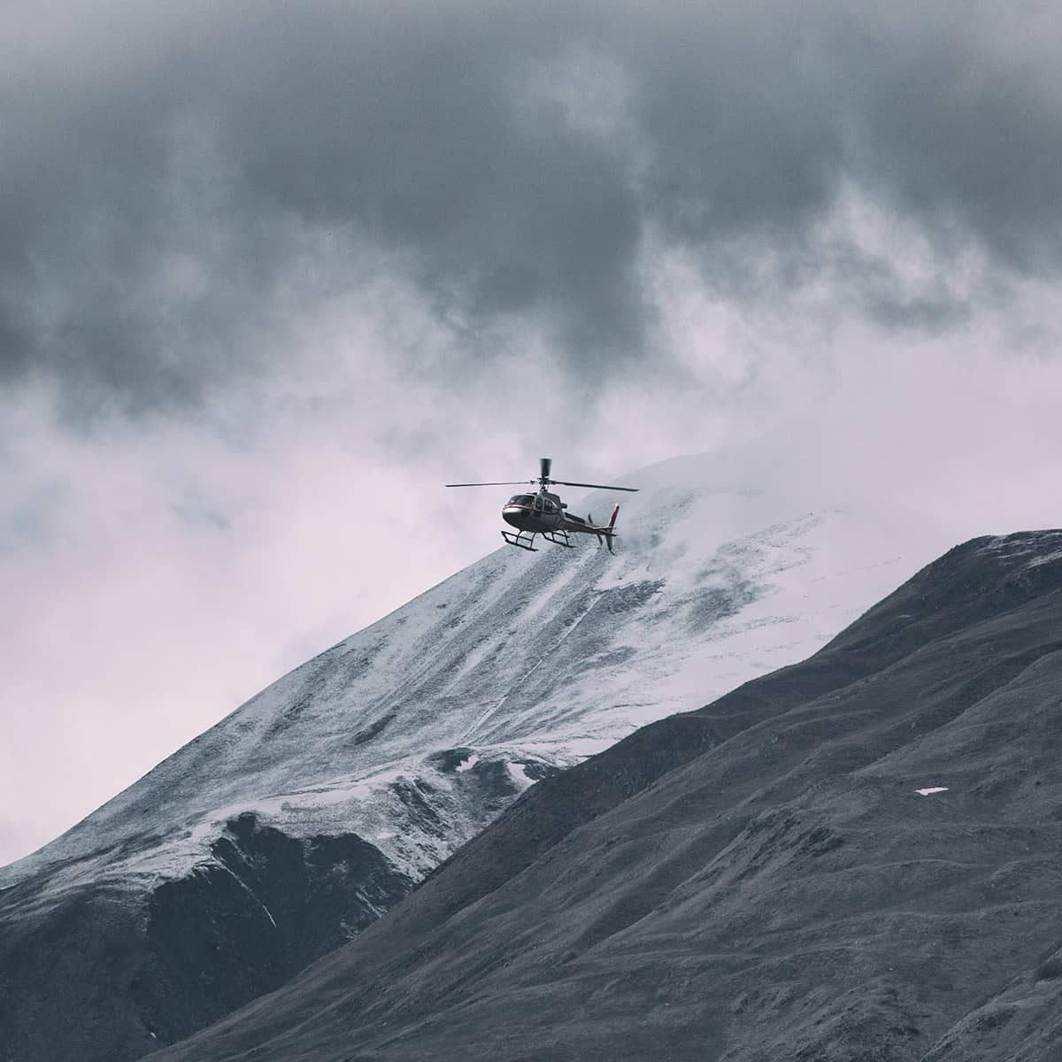 scotland-helicopter-mountain